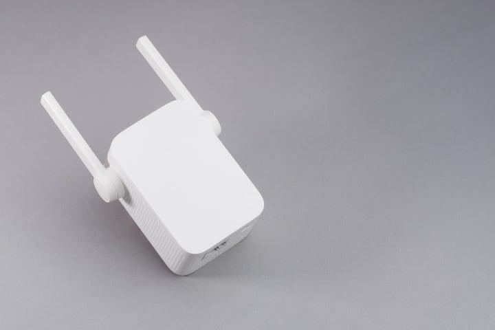 Repetidor wifi para mejorar la conexión wifi en casa